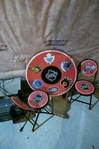 Childrens NHL table and chairs