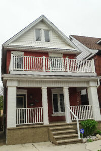 3 Bedroom, 1 Bath, Private Deck for Rent