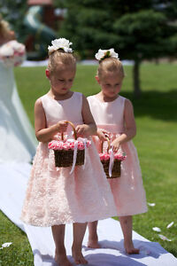 Like New two FLOWER GIRL DRESSES Size 6X Light Peach / Pink Cambridge Kitchener Area image 2