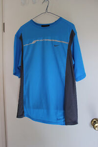 NIKE SPHERE SPORTS T SHIRT