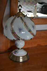 Beautiful Antique Style Touch Lamp