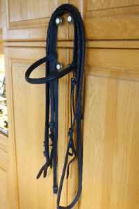 Horse sized headstall, black, with laced reins EC