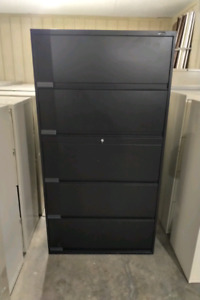Black 5 drawer filing cabinet with key.