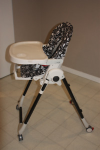 Peg Perego Prima Pappa Zero 3 Haigh Chair in a good condition.
