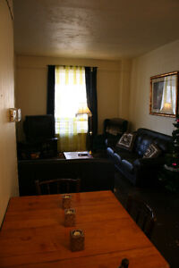 Attention Students - Large 5 Bedroom Student House - INCLUSIVE