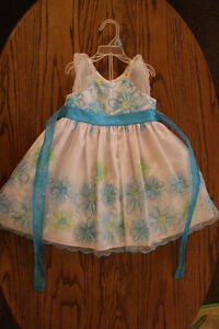 2t Dresses only tried on Prince George British Columbia image 1