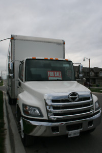 2014 Hino 338 26' box - like new