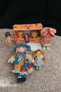 Assorted vintage dolls from the 1960's
