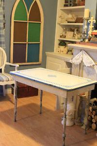 Blue & White Checkered Pattern Enamel Top Antique Table $148
