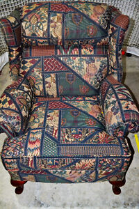 Arm chair and matching ottoman London Ontario image 3