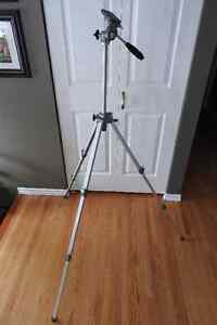 Velbon VG- photographic tripod heavy duty structure 60 in height