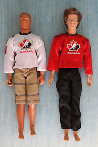 LOT Jouet Toy Hockey Player Canadian Canadien Barbie Ken Neuf