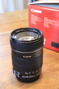 Canon 18-135mm F/3.5-5.6 IS lens