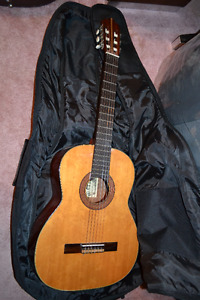 KENT IBERIA CLASSICAL ACOUSTIC GUITAR-  PRICE REDUCED