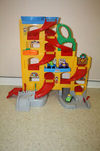 Little People's Wheelies Stand n Play Rampway