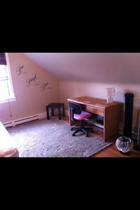 Room for rent near Kingsway and Nait, perfect for students!!!
