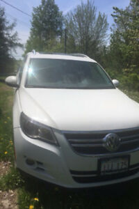 Tiguan highline 2009 (no engine) 3000$ firm
