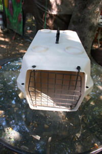 Pet Shuttle for Cats. Good for Other Pets like Ferrets.