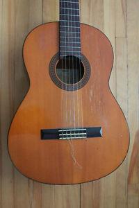 guitare Yamaha g-228