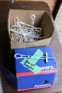 Box of 50+ Wall Strap Toggles