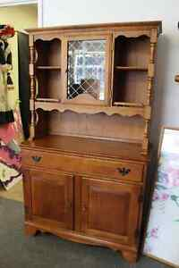 ★MAPLE HUTCH - GREAT CONDITION, GREAT SIZE CHECK IT OUT★  $135