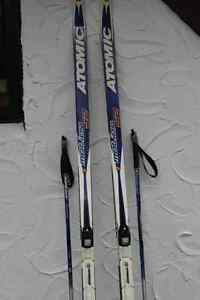 Ski de fonds, bottes et pôles/Cross country skis, boots & poles