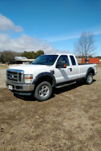 2010 Ford F250 w/ 5th Wheel Hitch!