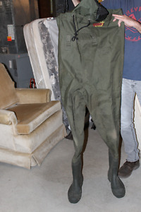 Bushlide Outdoor Chest Waders Size 10