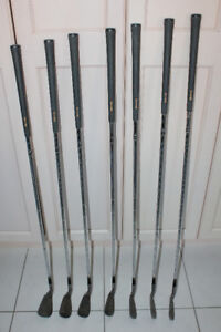 GOLF CLUBS, RIGHT HANDED, SPALDING IRONS #4-9 AND PITCHING WEDGE