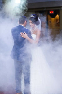 Wedding dance and entrance: Dry ice and intelligent fireworks