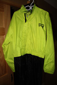 Motorcycle rain suit (Mens L)