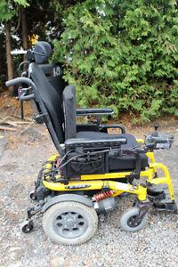 Chaise roulante électrique