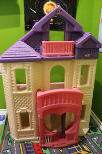 Dollhouse Buy Or Sell Toys Amp Games In Calgary Kijiji