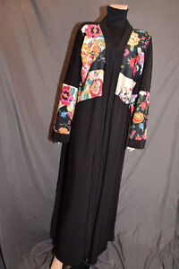 Caftans abayas hijabs manches bonnets accessoires
