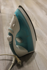 Steam Iron - fancy, great price!