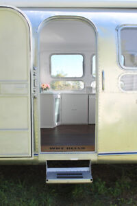 Beautifully restored Vintage Airstream  ('69 Sovereign, 31 ')
