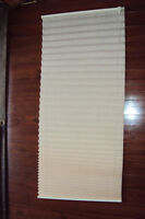 5 Pleated Fabric Window Shades, in excellent condition