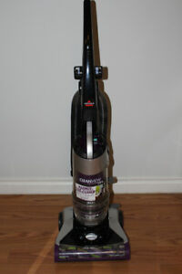 Vacuum Cleaner - CleanView Multi Cyclone Pet by Bissell