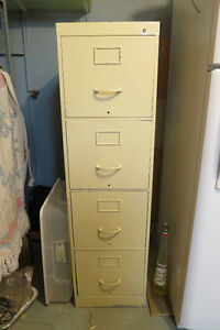 Filing cabinet (4 drawers)