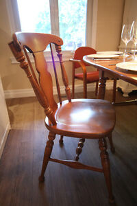 Wood Dinning Table 4 to 10 people + 4 chair West Island Greater Montréal image 6