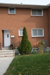 Townhouse in Stoney Creek, 3 bed, 2.5 bath