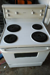 White Stove Oven Moffat Full Size Apartment Cottage Rental