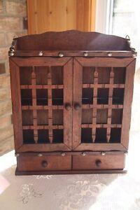 armoire épice antique