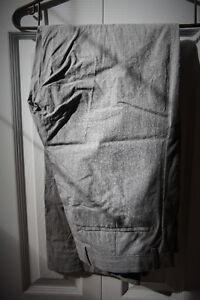 Banana Republic grey pinstripe pant 33x32