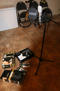 Microphone and Stand - Rode NT1-A
