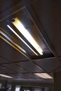 7 - 3' Side lamp T12 Fluorescent fixtures with bulbs