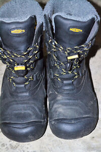Size 4 Keen winter boots London Ontario image 2
