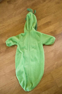 0-6 Month Pea in the Pod Halloween Costume London Ontario image 2