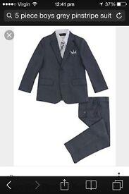 Brand new grey pinstripe 5 piece suit age 5/6 £25