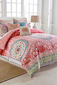 Beautiful King Comforter - never used, nice and warm for winter
